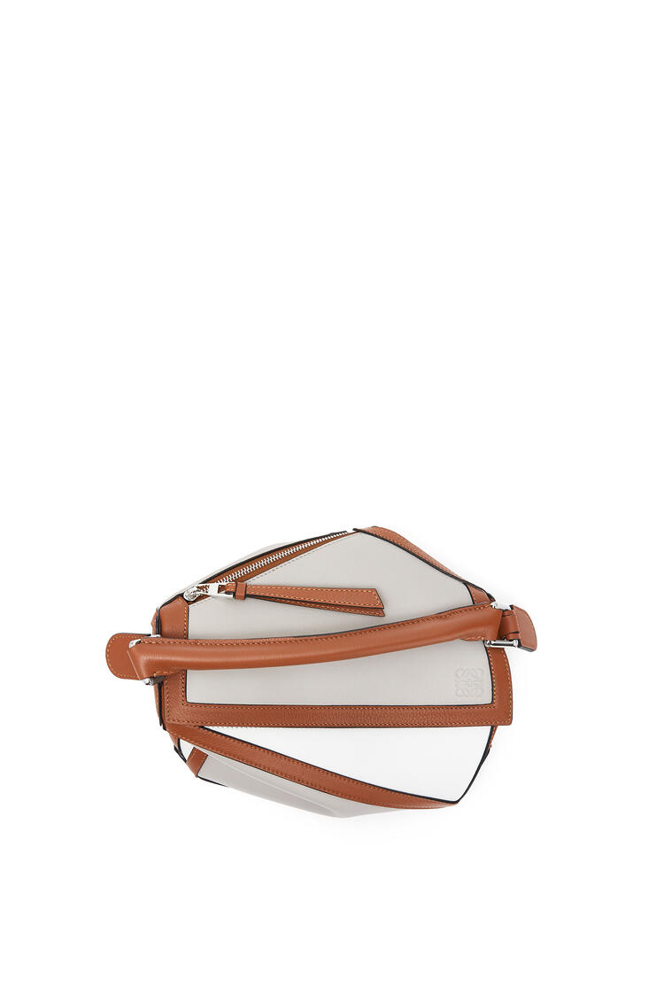 LOEWE Small Puzzle Graphic bag in classic calfskin Ghost/Soft White pdp_rd