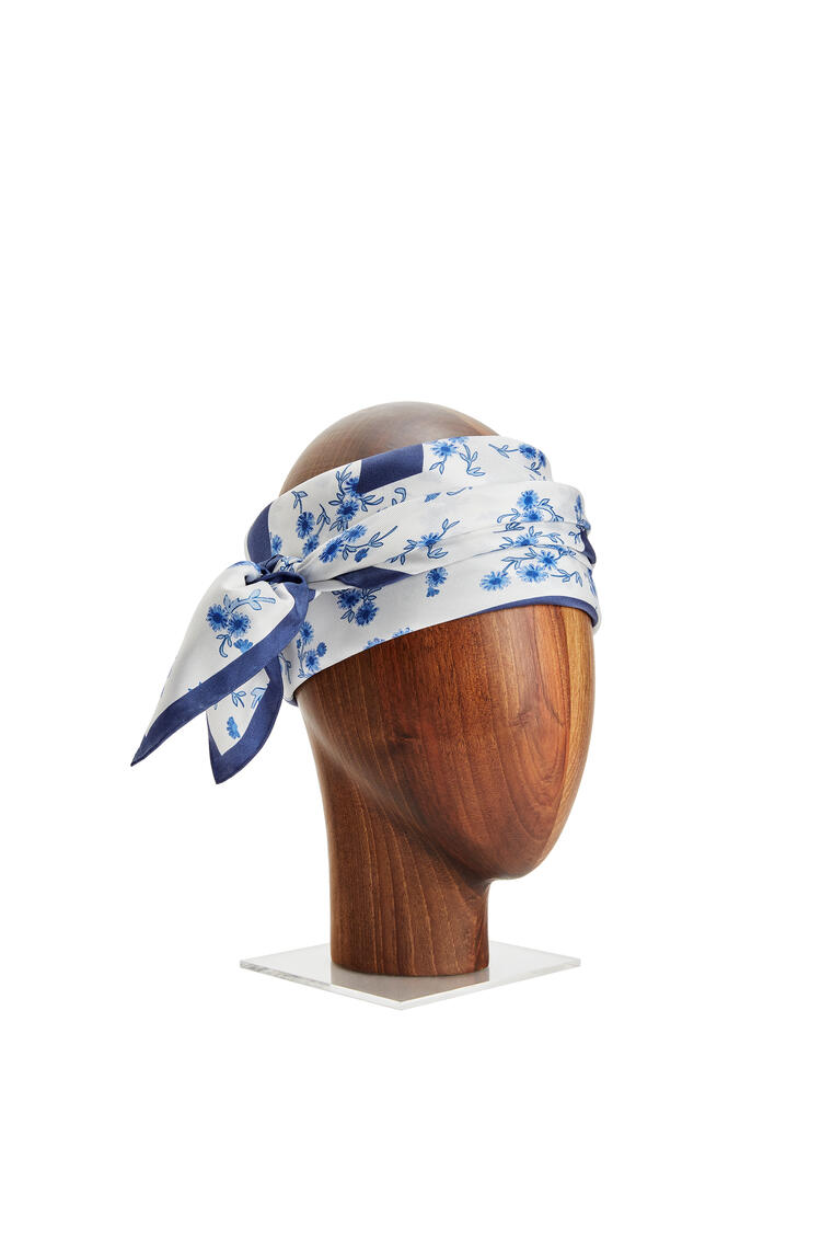 LOEWE 90 x 90 cm 桑蚕丝印花围巾 蓝色 pdp_rd