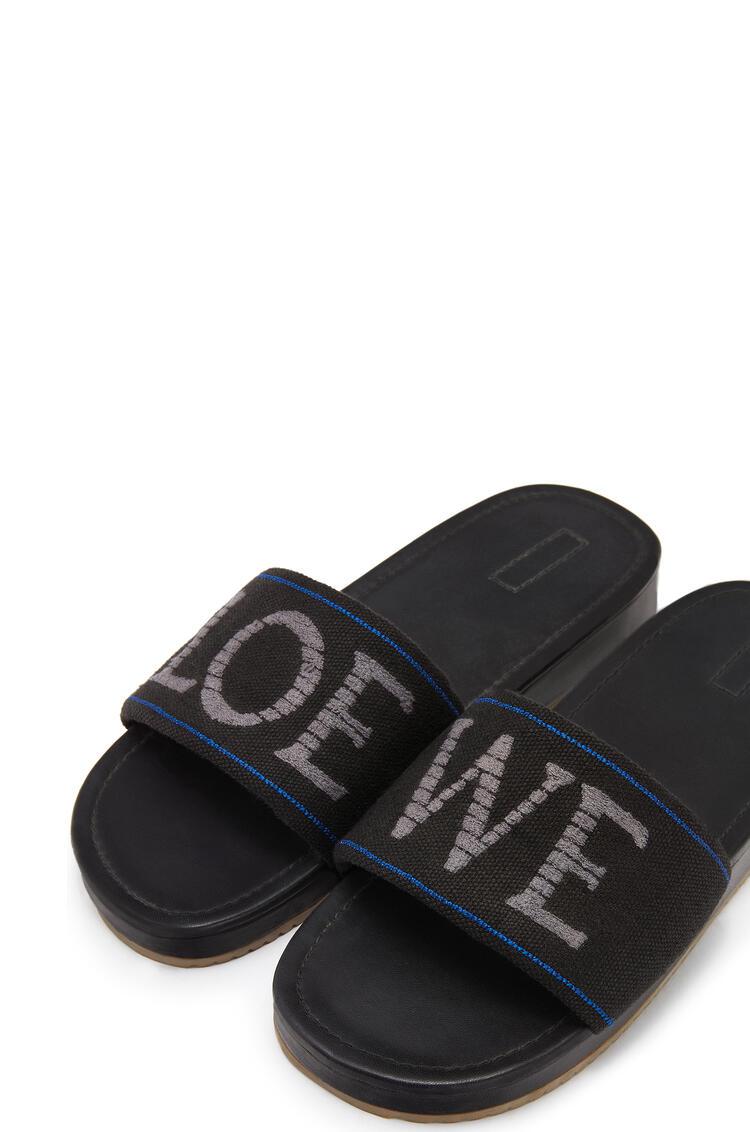 LOEWE Pool slider in linen and nappa Dark Grey/Blue pdp_rd