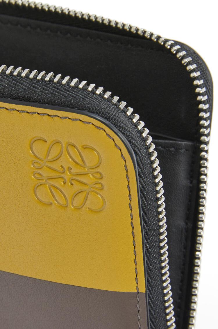 LOEWE Bicolor Zip around wallet in classic calfskin 紅褐色/灰褐色 pdp_rd
