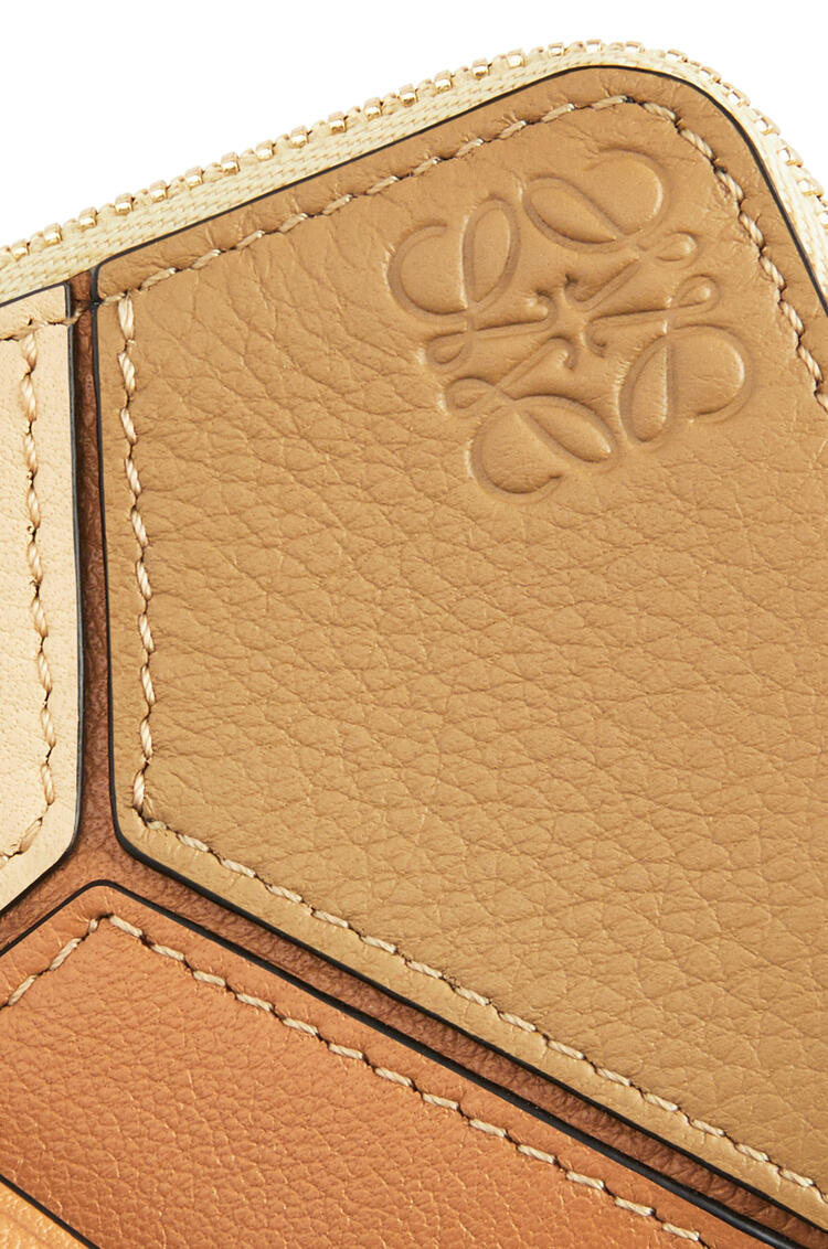 LOEWE Puzzle Coin Cardholder In Classic Calfskin Dune/Vanilla pdp_rd