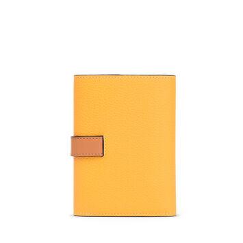 LOEWE Billetero Pequeño Vertical Amarillo Mango/Miel front