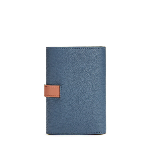 LOEWE スモール バーティカル ウォレット Steel Blue/Tan front