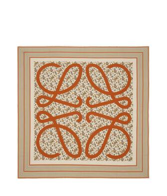 LOEWE 140X140 Scarf Paisley Anagram Beige/Naranja front