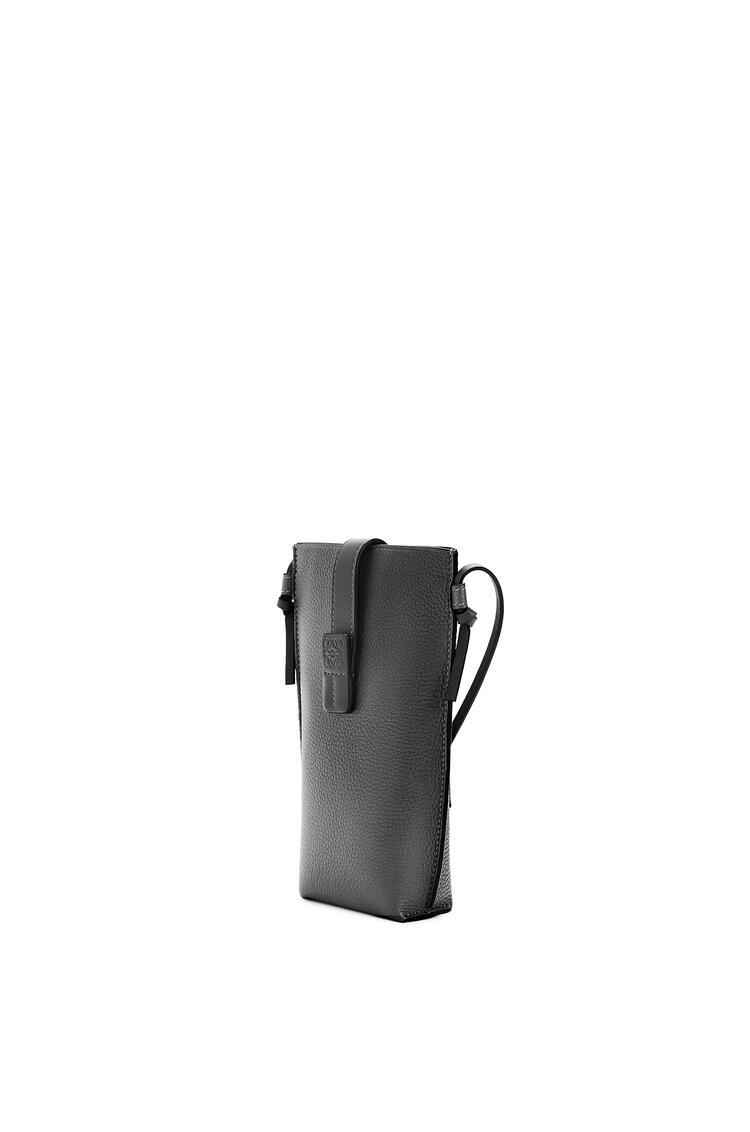 LOEWE Pocket Gate en piel de ternera de grano suave Negro pdp_rd