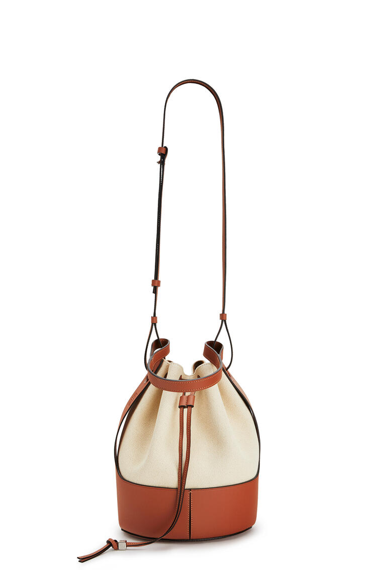 LOEWE Balloon bag in canvas and calfskin 亞麻色/棕褐色 pdp_rd