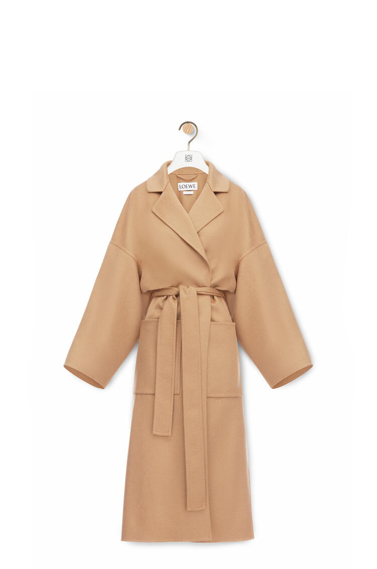 LOEWE Oversize belted coat in cashmere and silk Camel pdp_rd