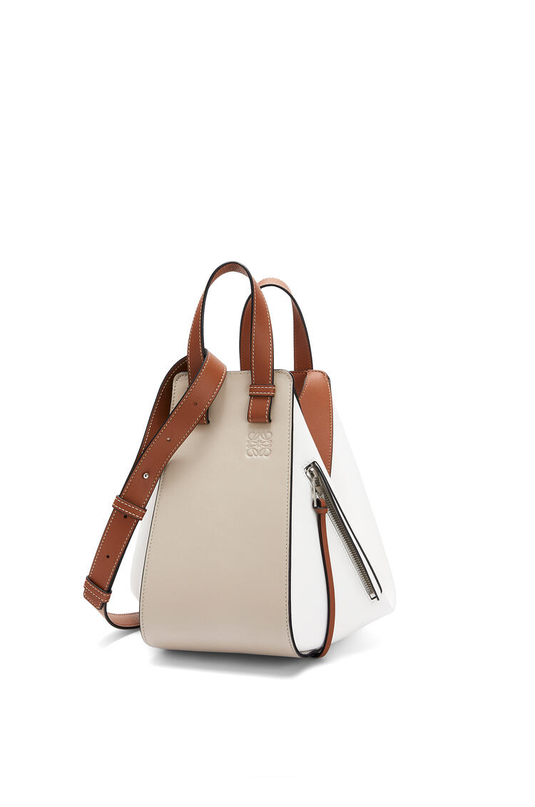 LOEWE Small Hammock bag in classic calfskin Light Oat/Soft White pdp_rd