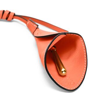 LOEWE Calla Charm 橙色 front
