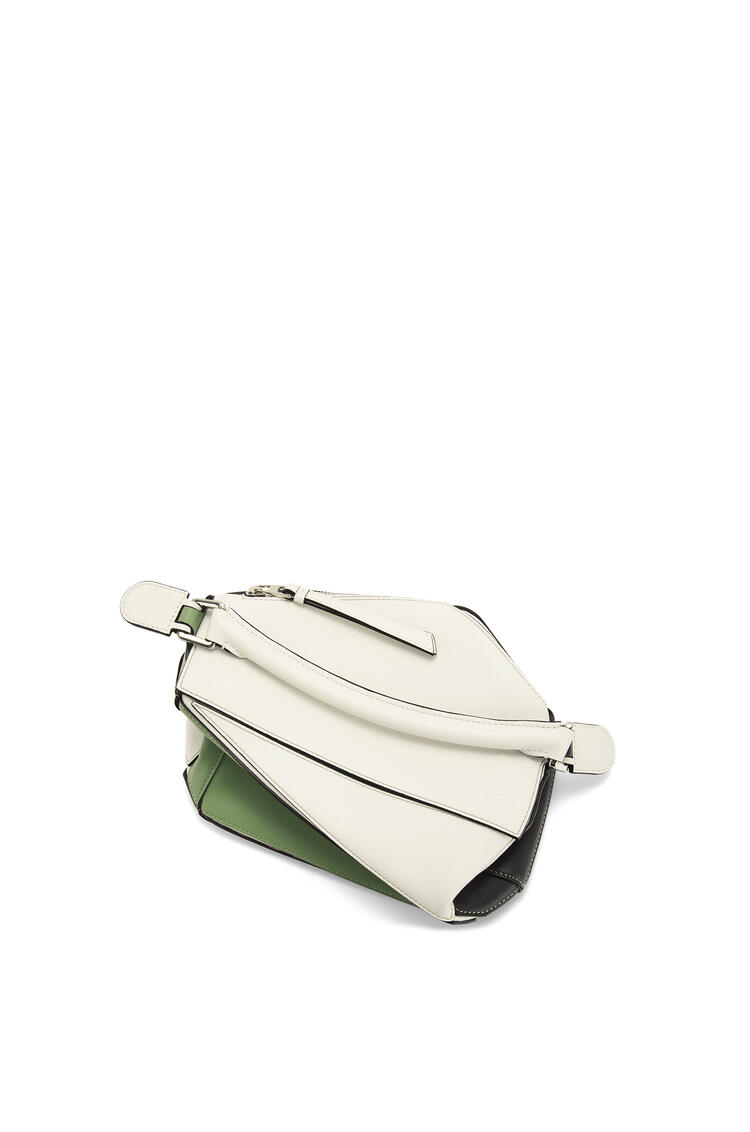 LOEWE Small Puzzle bag in classic calfskin Soft White/Rosemary pdp_rd