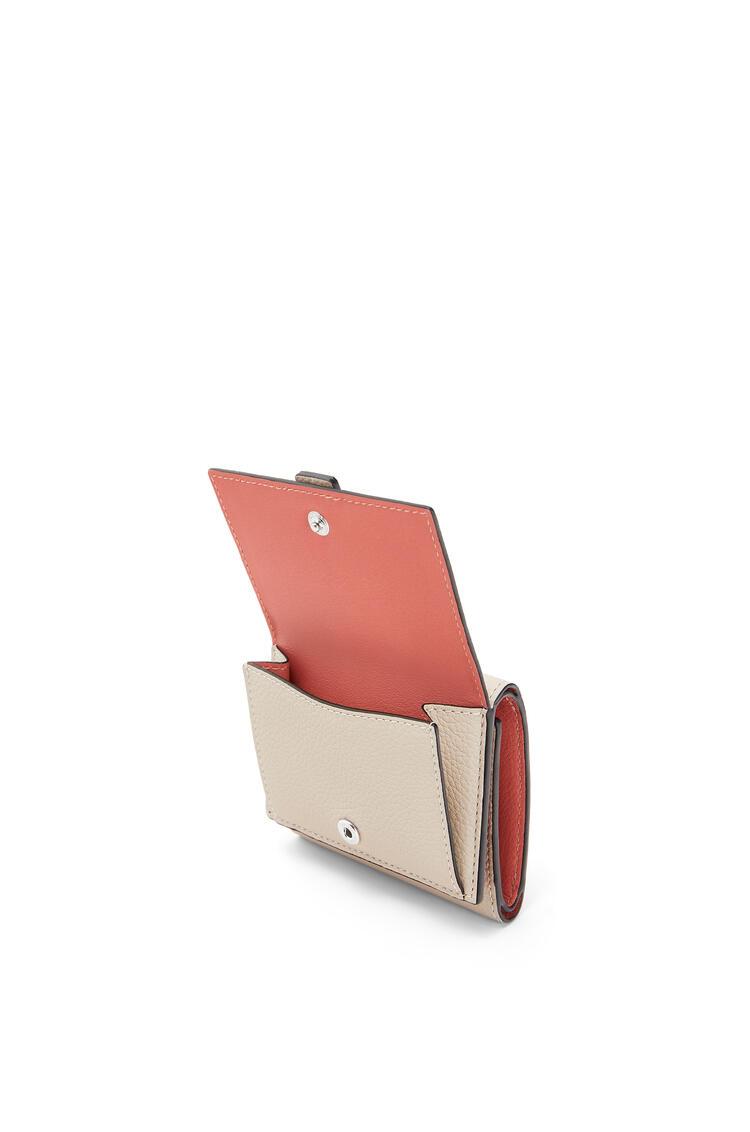 LOEWE Trifold wallet in soft grained calfskin Light Oat/Honey pdp_rd