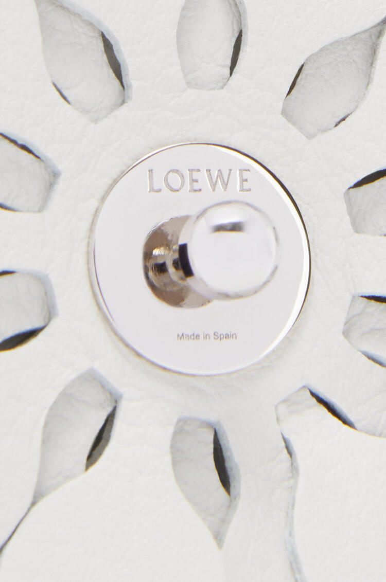 LOEWE Stud flower in calfskin Soft White pdp_rd