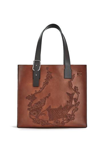 LOEWE Fish Buckle tote bag in calfskin Cognac pdp_rd