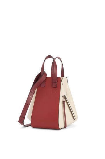 LOEWE Small Hammock Bag In Classic Calfskin Garnet/Ivory pdp_rd