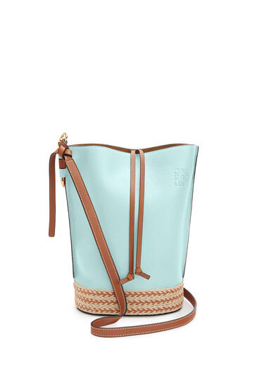 LOEWE Gate Bucket Bag In Raffia And Soft Grained Calfskin Mint/Tan pdp_rd