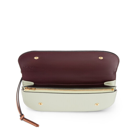 LOEWE Pochette Gate Caolín/Salvia front
