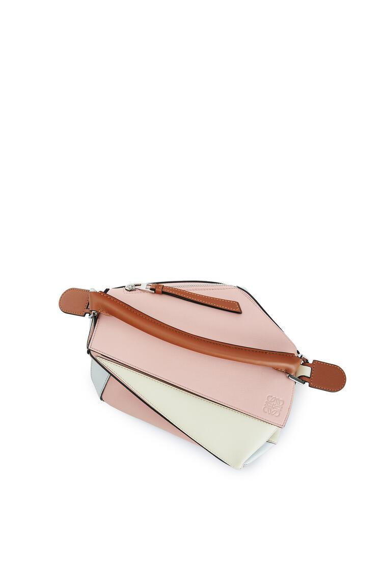 LOEWE Small Puzzle Bag In Classic Calfskin Peach Pink/Milk pdp_rd