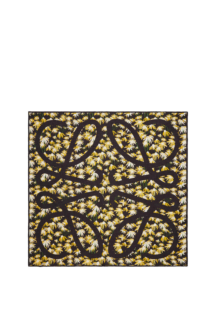 LOEWE 140 x 140 cm scarf in daisy modal and cashmere Yellow/Black pdp_rd