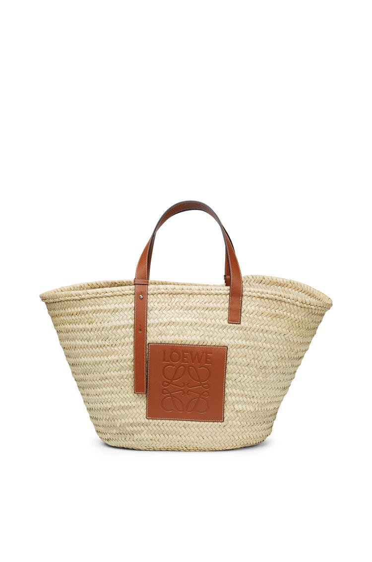 LOEWE Large Basket bag in palm leaf and calfskin Natural/Tan pdp_rd