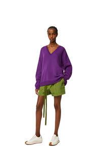 LOEWE Oversize V-neck sweater in cashmere Violet pdp_rd
