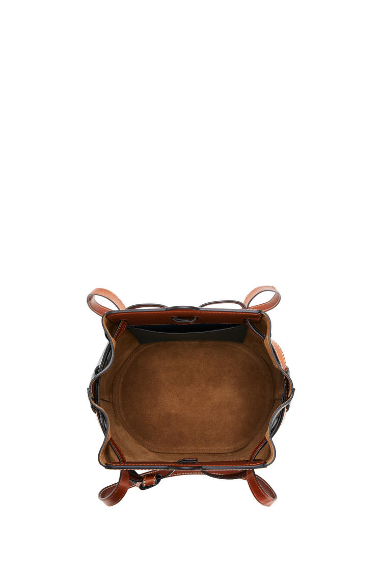 LOEWE Lazo Bucket bag in natural calfskin Black pdp_rd