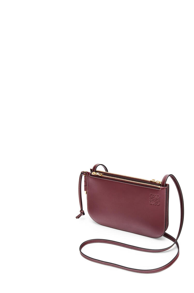 LOEWE Gate Double Zip pouch in soft calfskin Malbec pdp_rd