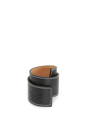 LOEWE Small slap bracelet in calfskin Black pdp_rd