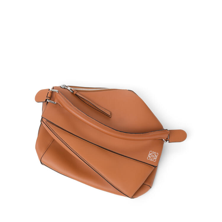 LOEWE Puzzle bag in classic calfskin Tan pdp_rd