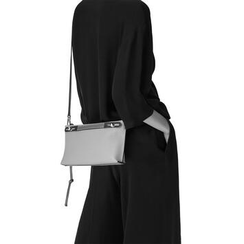 LOEWE Missy Small Bag ブラック front