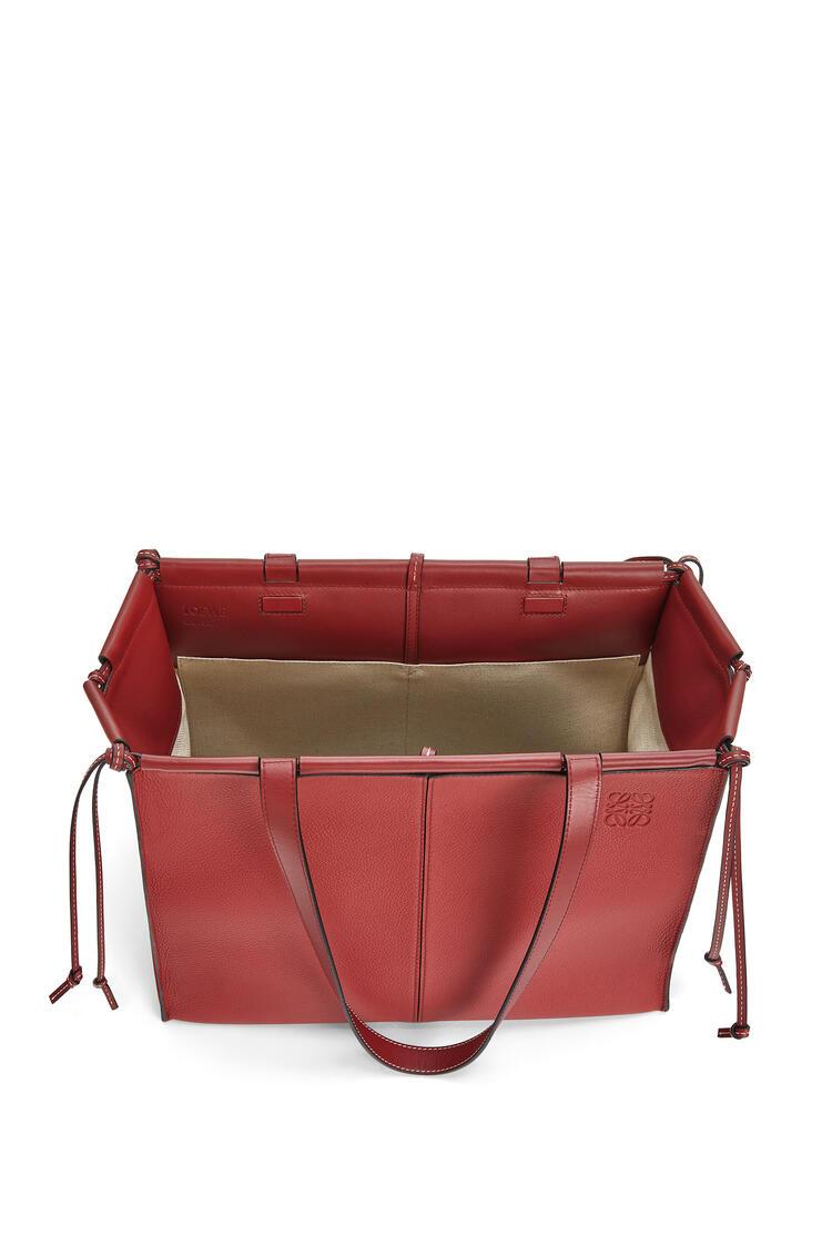 LOEWE Cushion tote bag in soft grained calfskin Garnet pdp_rd