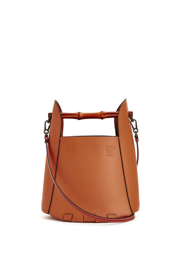 LOEWE Bamboo bucket bag in calfskin Tan pdp_rd