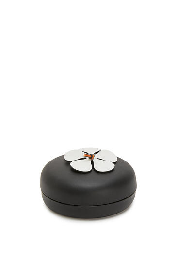 LOEWE Flower box in calfskin White/Black pdp_rd