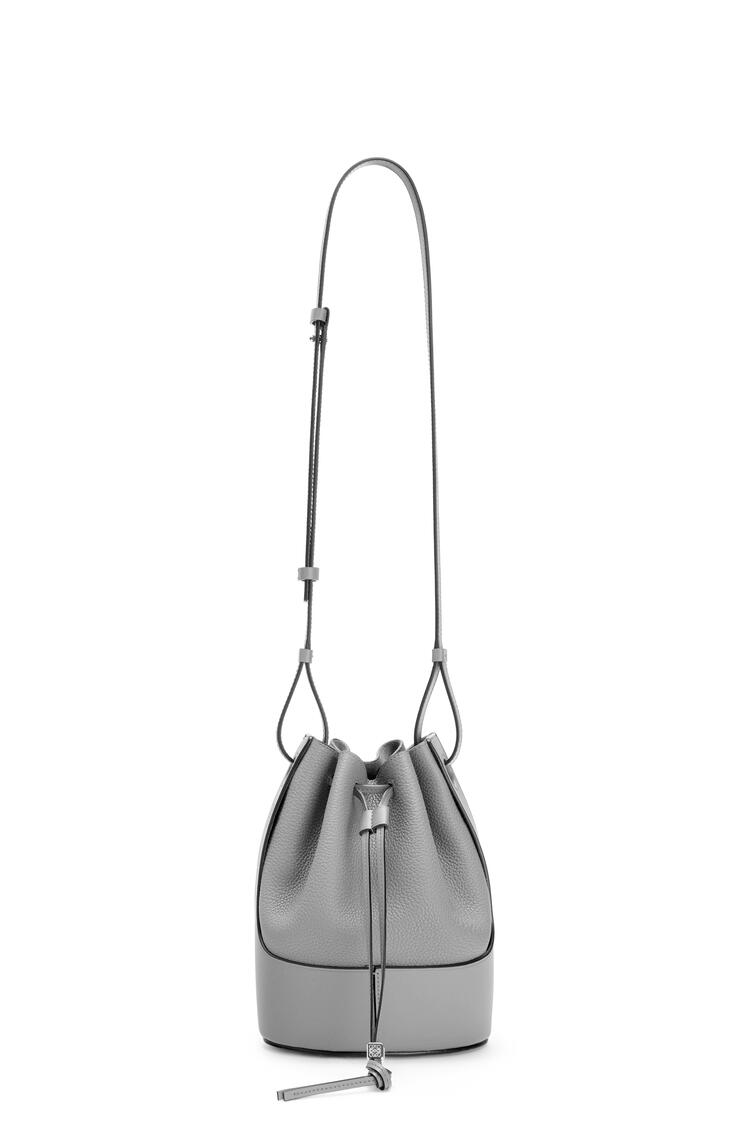 LOEWE Small Balloon bag in grained calfskin Smoke pdp_rd