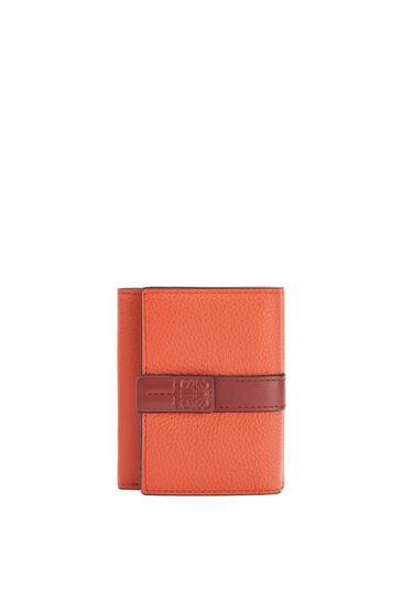 LOEWE トリフォルド ウォレット(ソフト グレイン カーフスキン) Coral/Soft Apricot pdp_rd