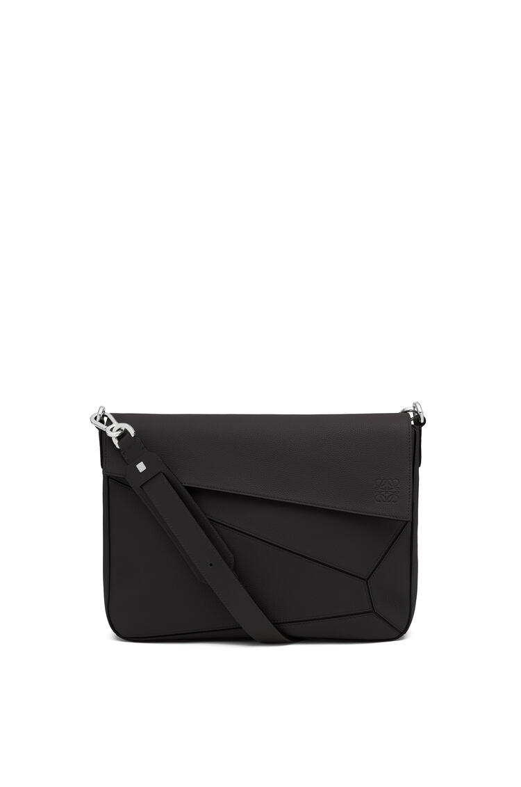 LOEWE Puzzle Messenger bag in soft grained calfskin 黑色 pdp_rd