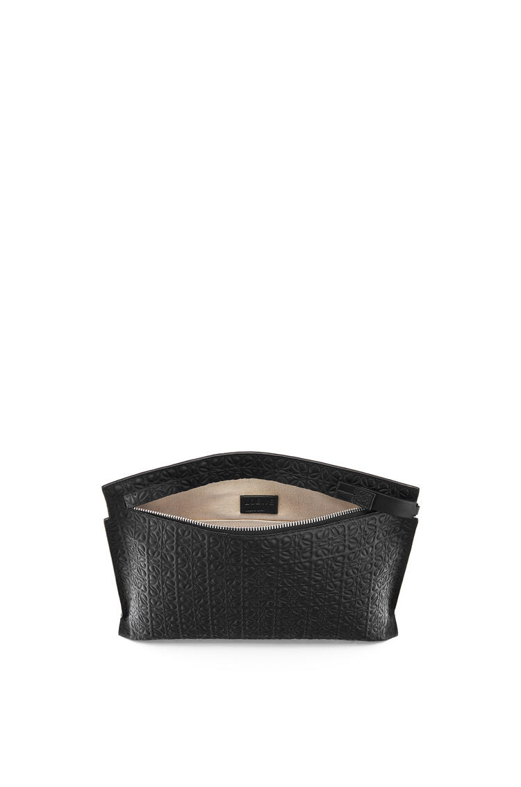 LOEWE T Pouch repeat in calfskin Black pdp_rd