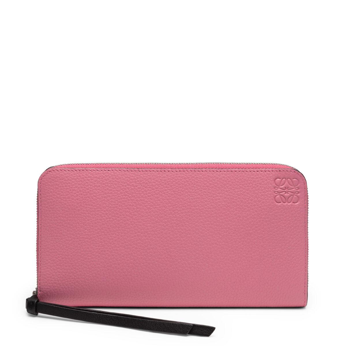 50代女性にオススメ「ロエベ」の長財布