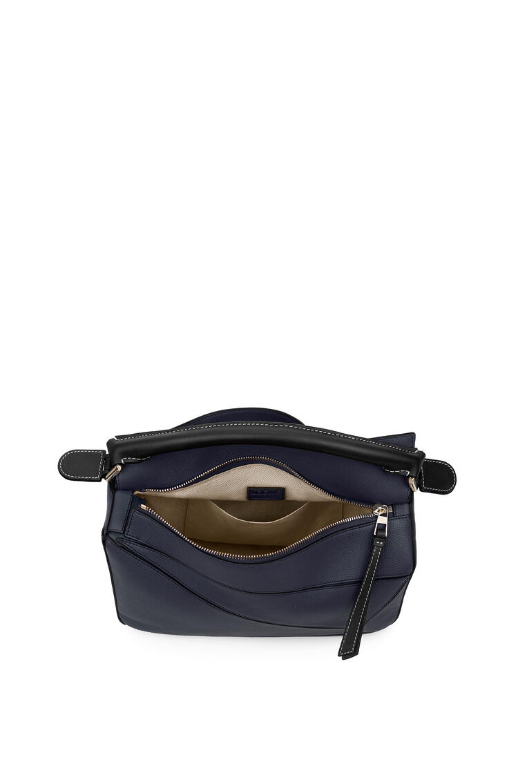 LOEWE 柔软粒面小牛皮 Puzzle 手袋 Midnight Blue/Black pdp_rd