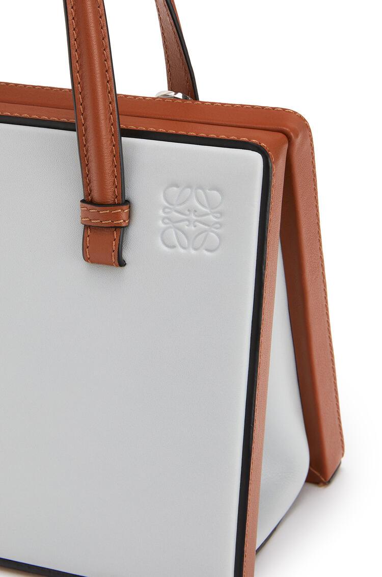 LOEWE Postal bag in natural calfskin Kaolin/Tan pdp_rd