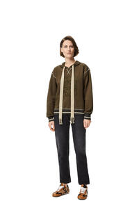 LOEWE Sudadera en algodón con capucha y Anagrama bordado Verde Kaki pdp_rd