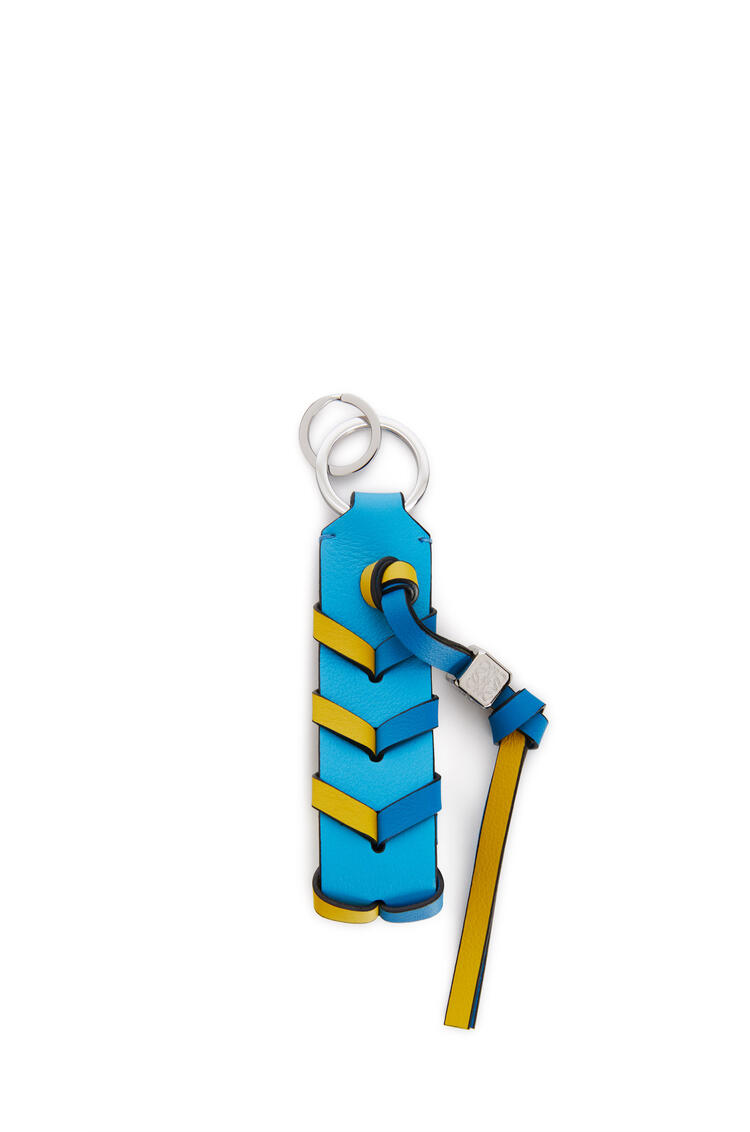 LOEWE Braided strap keyring in calfskin and brass Topaz Blue/Yellow pdp_rd