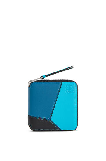 LOEWE Cartera Puzzle Square zip en piel de ternera clásica Azul Laguna Oscuro/Negro pdp_rd