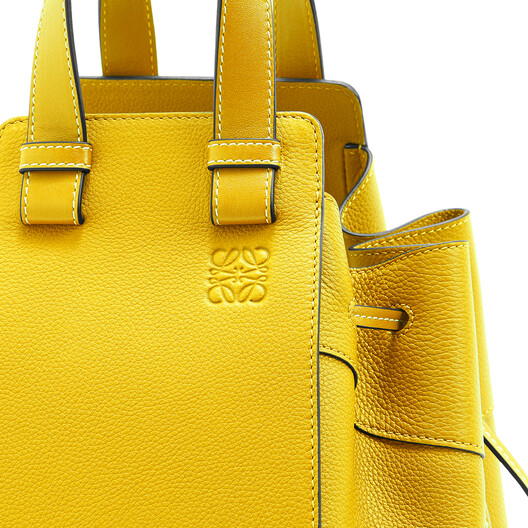 LOEWE Hammock Drawstring Small Bag イエロー front