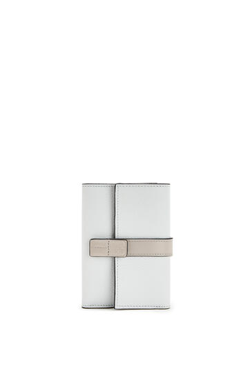 LOEWE Small Vertical Wallet In Soft Grained Calfskin Kaolin/Ghost pdp_rd