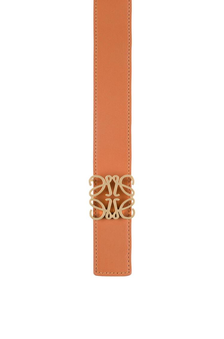 LOEWE Cinturón con anagrama en piel de ternera suave Bronceado/Negro/Oro pdp_rd