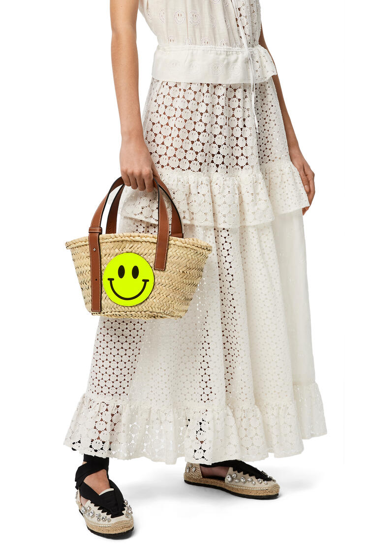 LOEWE Small Smiley® Basket bag in palm leaf and calfskin Natural/Neon Yellow pdp_rd