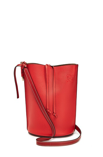 LOEWE ゲートバケットバッグ Scarlet Red/Burnt Red front