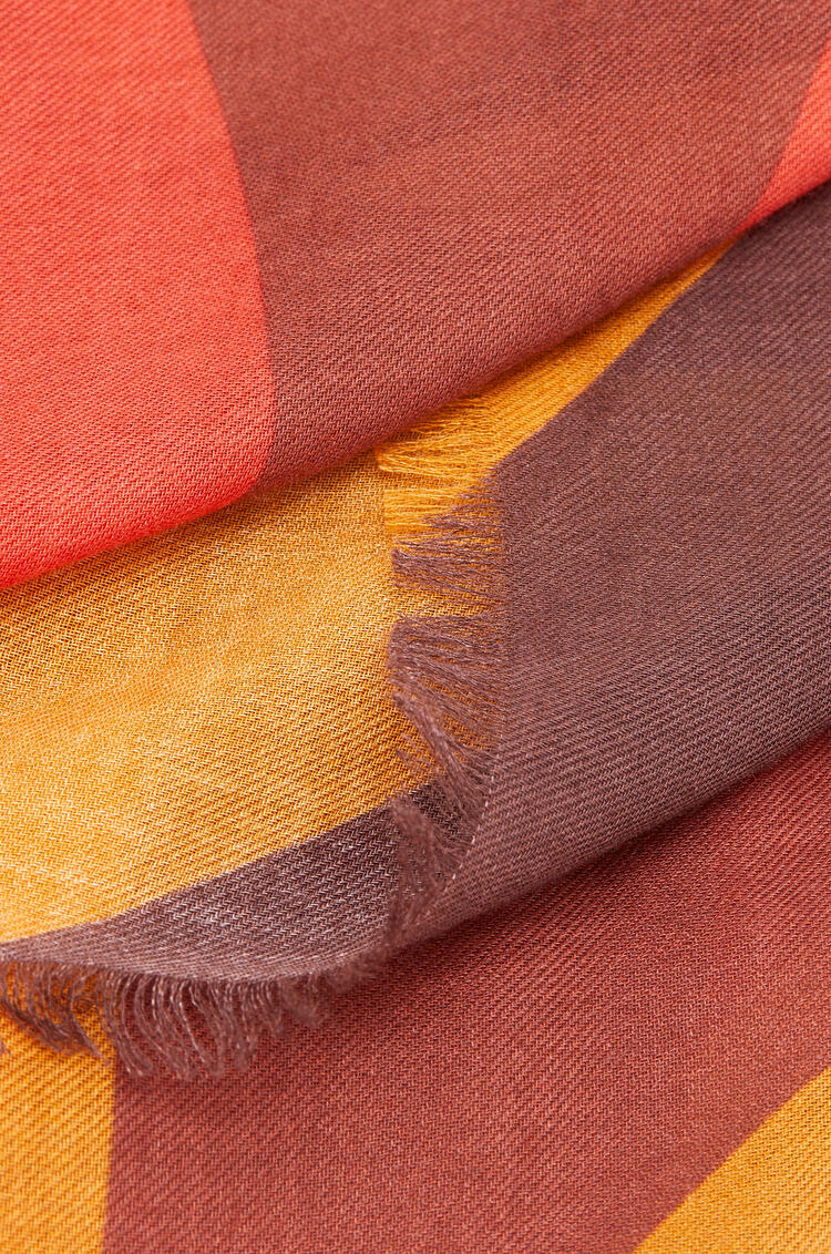 LOEWE 140 x 140 cm scarf in modal and cashmere Old Toffee pdp_rd
