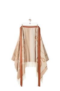 LOEWE Falda larga de franela en lana y cashmere con Anagrama en Jacquard Ecru pdp_rd