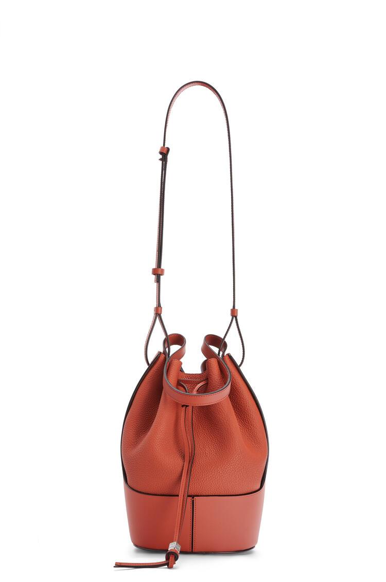 LOEWE Balloon bag in grained calfskin Pumpkin pdp_rd